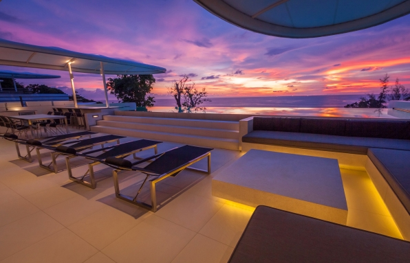 img_2018_skyvillapenthouse_sunset_outdoor_terrace_oceanview