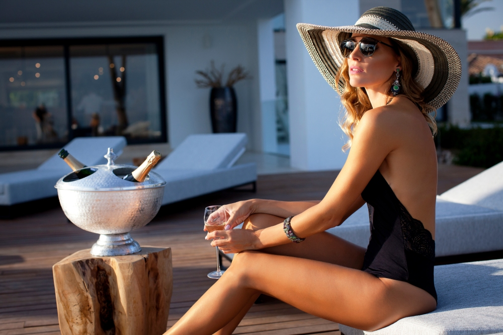 ESSENTIAL MARBELLA- VIP LIFESTYLE- Shoot-High-Res-Emile Issa-_MG_3631