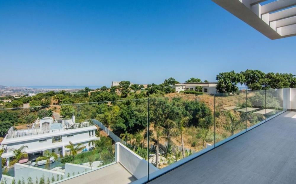modern-villa-for-sale-la-mairena-marbella-r2257460-49161-1148x714-resize-center-255,255,255